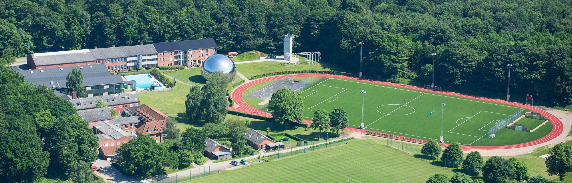 Luftfoto af Vejle Idrætsefterskole